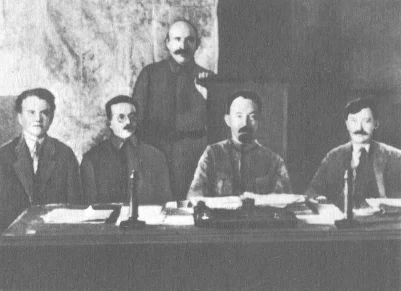 нашли колгоспи україни в 1918-1940 роках изготовления панно